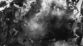 Giorgio Armani Fragrances Acqua Di Gio TV Spot, 'Weeping Wall' - Thumbnail 6