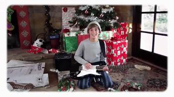 Guitar Center Holiday Savings TV Spot, 'Favorite Gift' - Thumbnail 7