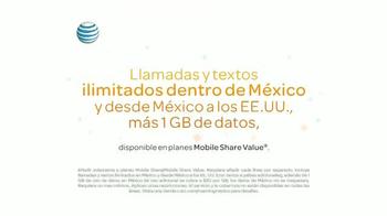 AT&T Mobile Share Plan TV Spot, 'Epoca de visitar a la familia' [Spanish] - Thumbnail 9