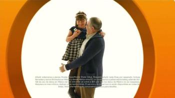 AT&T Mobile Share Plan TV Spot, 'Epoca de visitar a la familia' [Spanish] - Thumbnail 7
