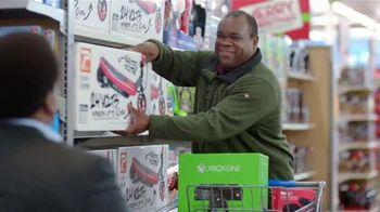 Walmart TV Spot, 'Eleventh-Hour Shopper' Featuring Craig Robinson - Thumbnail 8