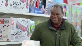 Walmart TV Spot, 'Eleventh-Hour Shopper' Featuring Craig Robinson - Thumbnail 9