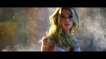 Victoria's Secret Bombshell TV Spot, 'Holiday 2015: First Time' - Thumbnail 4