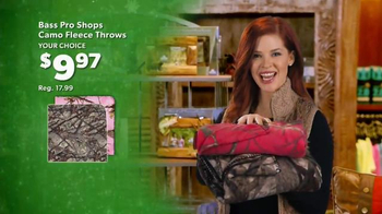 Bass Pro Shops Christmas Sale TV Spot, 'Fleece, Flannel and Free Shipping' - Thumbnail 5