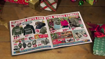 Bass Pro Shops Countdown to Christmas TV Spot, 'Hikers' - Thumbnail 5