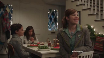 Old Navy TV Spot, 'Kids' Table' Featuring Carrie Brownstein, Fred Armisen - Thumbnail 6