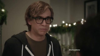 Old Navy TV Spot, 'Kids' Table' Featuring Carrie Brownstein, Fred Armisen - Thumbnail 7