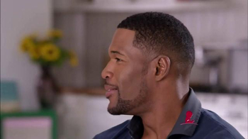 St. Jude Children's Research Hospital TV Spot, 'Thanks and Giving: Strahan' - Thumbnail 4