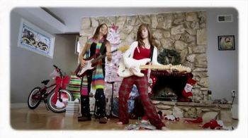 Guitar Center Holiday Savings TV Spot, 'Squier, Epiphone and Ernie Ball' - Thumbnail 8
