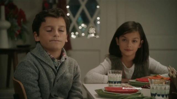 Old Navy TV Spot, 'Mesa de niños' con Judy Reyes y Fred Armisen [Spanish] - Thumbnail 10