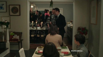 Old Navy TV Spot, 'Mesa de niños' con Judy Reyes y Fred Armisen [Spanish] - Thumbnail 2
