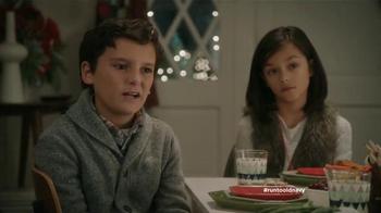 Old Navy TV Spot, 'Mesa de niños' con Judy Reyes y Fred Armisen [Spanish] - Thumbnail 6