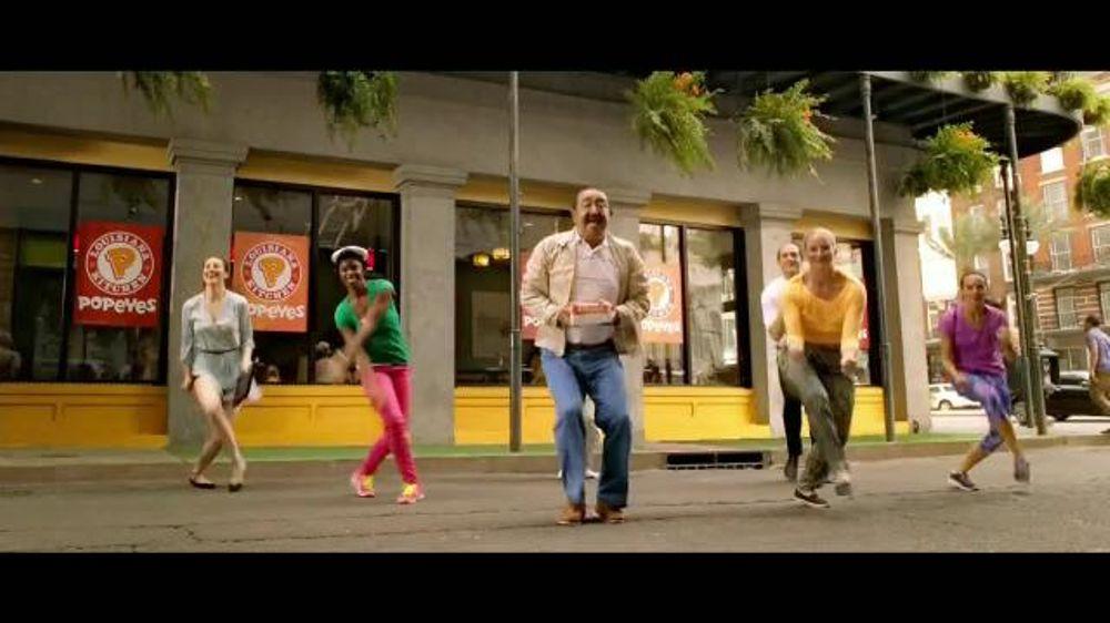 Popeyes Boneless Wing Bash TV Commercial, 'M??sica' con Alejandro Patino