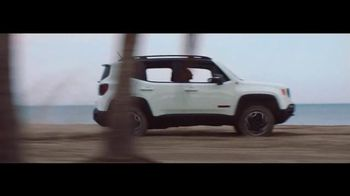 Jeep 4th of July Sales Event TV Spot, '2016 Jeep Renegade Sport' - 912 commercial airings