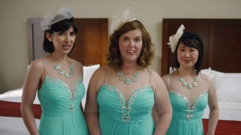 Choice Hotels TV Spot, 'Summer Weddings' Song by The Clash - Thumbnail 4