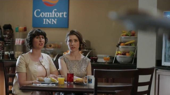Choice Hotels TV Spot, 'Summer Weddings' Song by The Clash - Thumbnail 7