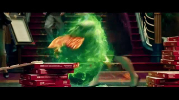 Papa John's Dual Layer Pepperoni TV Spot, 'Ghostbusters' [Spanish] - Thumbnail 4