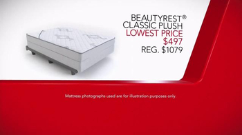 Macy's 4th of July Mattress Sale TV Spot, 'Last Days' Song by Mungo Jerry - Thumbnail 6