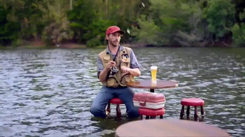 Leinenkugel's Grapefruit Shandy TV Spot, 'Lake Bar' - Thumbnail 6