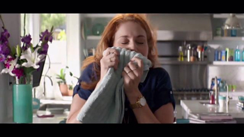 Downy Unstopables TV Spot, 'A Thousand Flowers' - Thumbnail 2