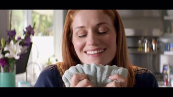 Downy Unstopables TV Spot, 'A Thousand Flowers' - Thumbnail 7