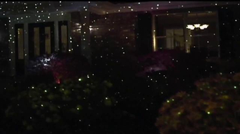 Star Shower Laser Light TV Spot, 'Christmas Lights' - Thumbnail 6
