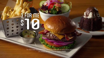 Chili's 3 For Me Burgers TV Spot, 'Bigote' [Spanish] - Thumbnail 9