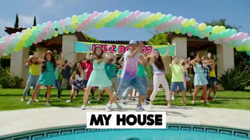 Kidz Bop 32 TV Spot, 'Pool Party' - Thumbnail 2