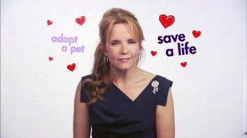 Hallmark Channel Pet Project TV Spot, 'Adopt a Pet' Featuring Lea Thompson - Thumbnail 6