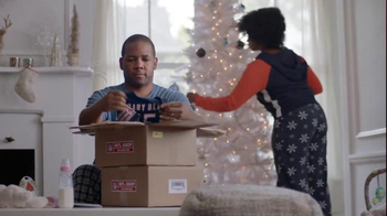 NFL Shop TV Spot, 'The Perfect Holiday Gift for the New Baby' - Thumbnail 4