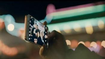 AT&T Next TV Spot, 'Compra uno y llévate otro' [Spanish] - Thumbnail 5