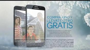 AT&T Next TV Spot, 'Compra uno y llévate otro' [Spanish] - Thumbnail 6