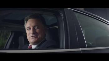 2016 Chrysler 200 and 300 TV Spot, 'Swerve' Ft. Martin Sheen, Bill Pullman - Thumbnail 4