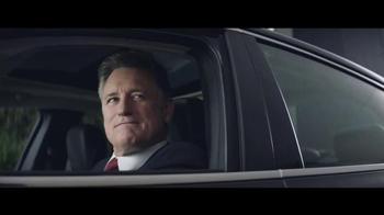 2016 Chrysler 200 and 300 TV Spot, 'Swerve' Ft. Martin Sheen, Bill Pullman - Thumbnail 6