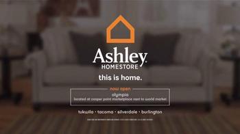Ashley Furniture Homestore Presidents' Day Sale TV Spot, 'Save Storewide' - Thumbnail 6
