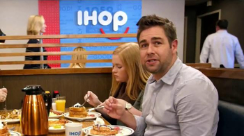 IHOP Double-Dipped French Toast TV Spot, 'It's Back' - Thumbnail 5