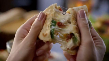 Olive Garden Piadina TV Spot, 'Learn a Little Italian at Lunch' - Thumbnail 2