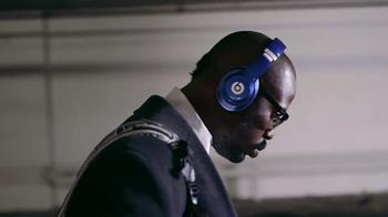 Beats Studio Wireless TV Spot, 'Underdog: Von Miller' Song by Travis Scott - Thumbnail 6