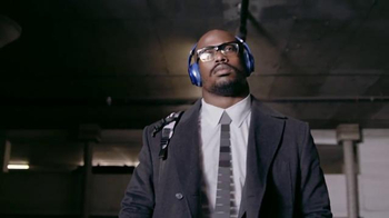Beats Studio Wireless TV Spot, 'Underdog: Von Miller' Song by Travis Scott - Thumbnail 7