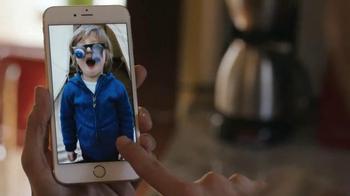 Apple iPhone 6s TV Spot, 'Live Photos' - Thumbnail 5