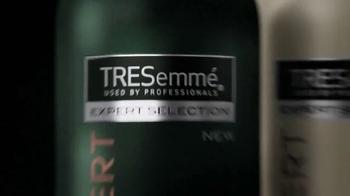 TRESemme Botanique TV Spot, 'Con leche de coco y sábila' [Spanish] - Thumbnail 2