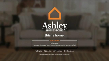 Ashley Furniture Homestore Presidents' Day Sale TV Spot, 'Mattresses' - Thumbnail 6