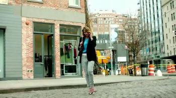 Fitbit Alta TV Spot, 'Entertainment Network' - Thumbnail 4
