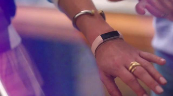 Fitbit Alta TV Spot, 'Entertainment Network' - Thumbnail 8