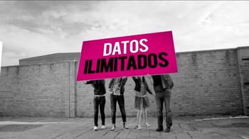 T-Mobile TV Spot, '¡Compartir pasó de moda!' - Thumbnail 1