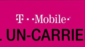 T-Mobile TV Spot, '¡Compartir pasó de moda!' - Thumbnail 10