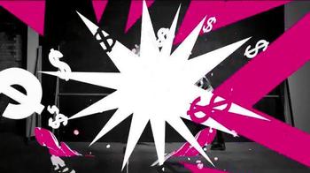 T-Mobile TV Spot, '¡Compartir pasó de moda!' - Thumbnail 9