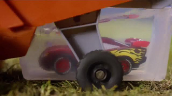 Disney Pixar Cars Chase and Change Frank TV Spot, 'Color Change Fun' - Thumbnail 4