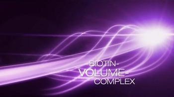 Styliste Ultime Biotin Volume TV Spot, 'Whole Day' Ft. Claudia Schiffer - Thumbnail 5