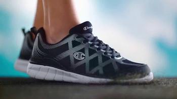 Payless ShoeSource Venta Deportiva Champion TV Spot, 'Colores' [Spanish] - Thumbnail 3